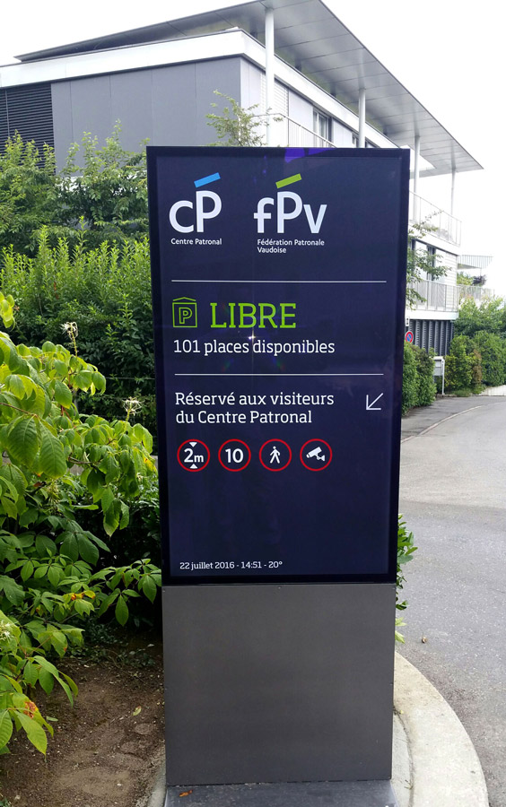 脡cran dynamique Parking Libre / Occup茅 et Places disponibles